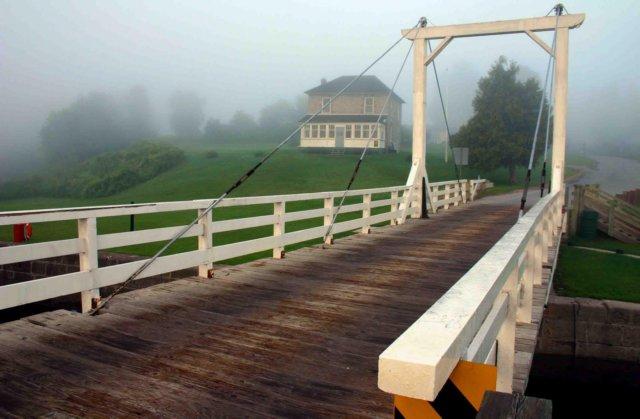kilmarnockswingbridge.jpg